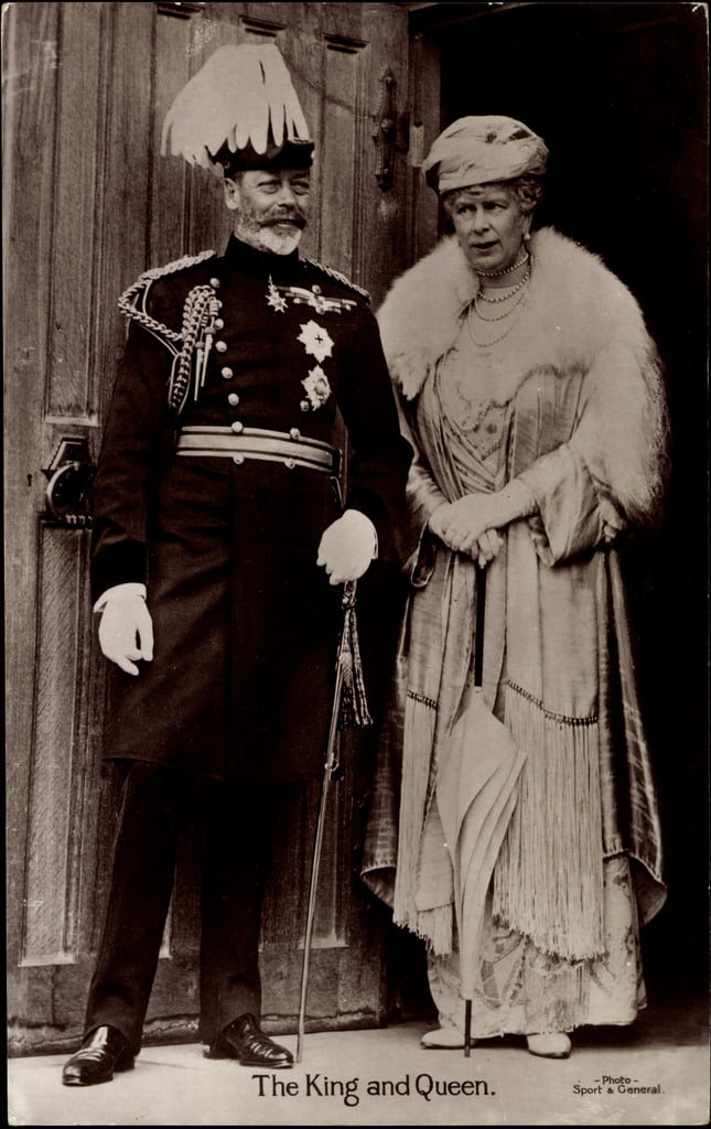 Ak King George V and Queen Mary, Maria von Teck, England  by German Photographer