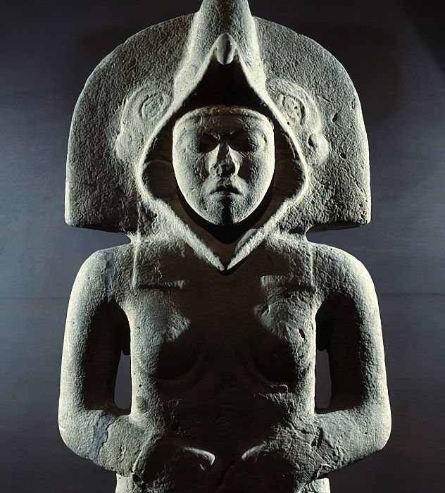 Sculpture of the goddess of fertility, from Tepetzintla, Mexico  by Huaxtec