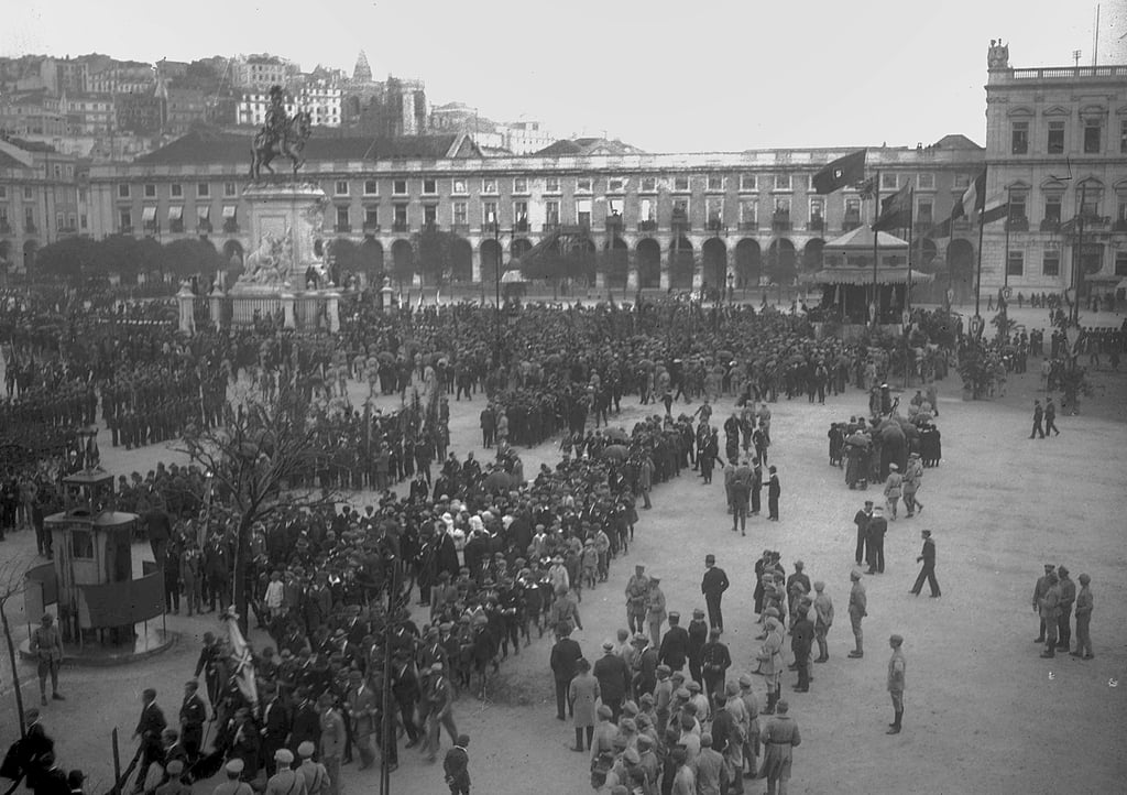 Victory celebrations in Praca do Comercio, Lisbon, 1918  by Unbekannt Unbekannt